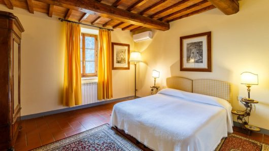 Two bedrooms Apartment Relais Villa Olmo: perfect relais for family Florence countryside