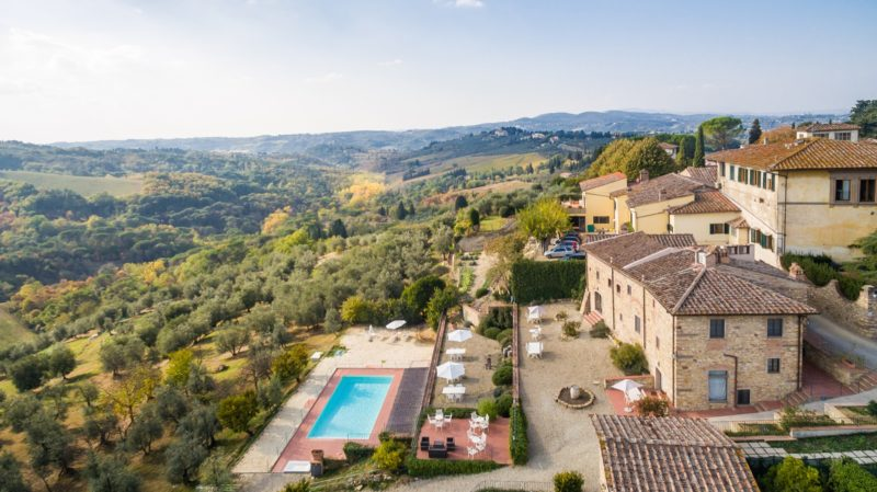 Relais Villa Olmo wine resort Tuscany: ancient structure and relaxing swimming pool