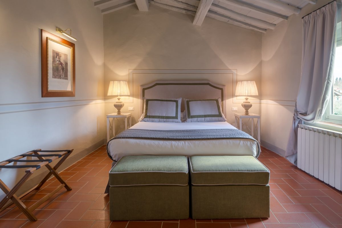 Guestrooms Relais Villa Olmo food and wine resort with pool Florence hills
