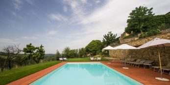 Relais Villa Olmo wine resort Tuscany swimming pool