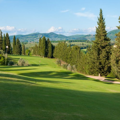Relais Villa Olmo offer: 3-nights stay plus 2 GreenFee passes at the Ugolino Golf Club and dinner